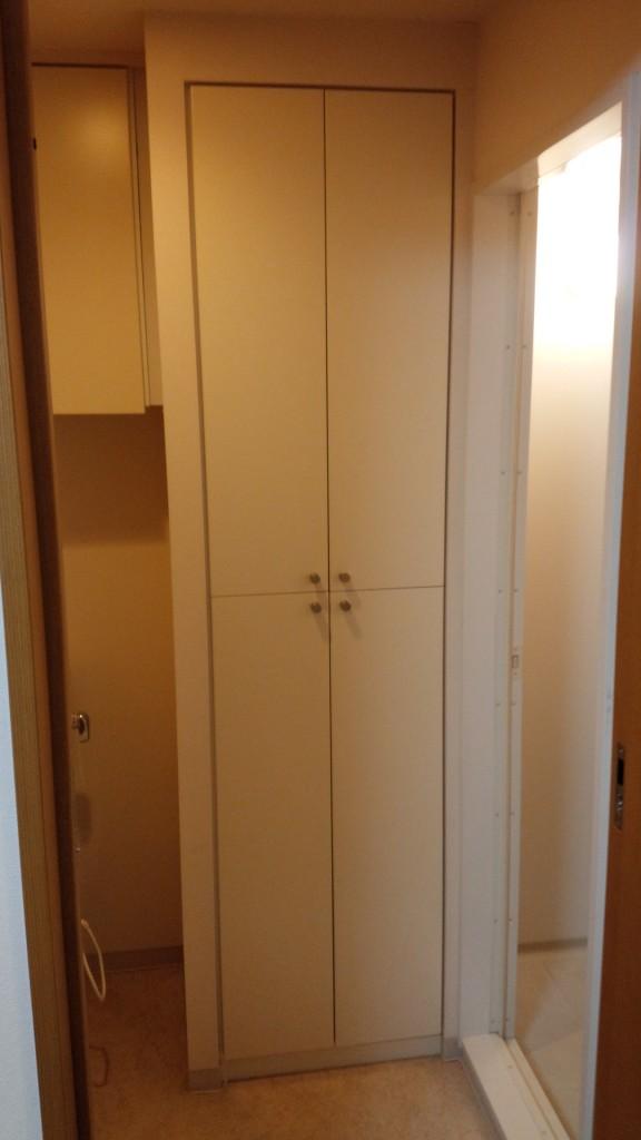 施工前・施工前は収納でしたがオーナー様のご希望で洗面所に変更しました。