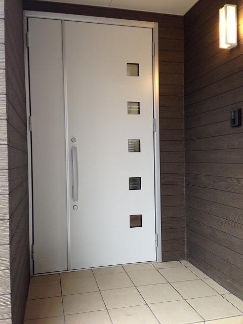 ②玄関扉後