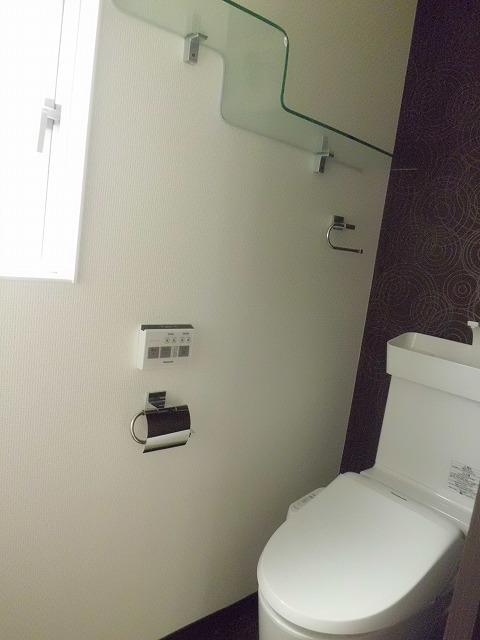 8トイレ2F