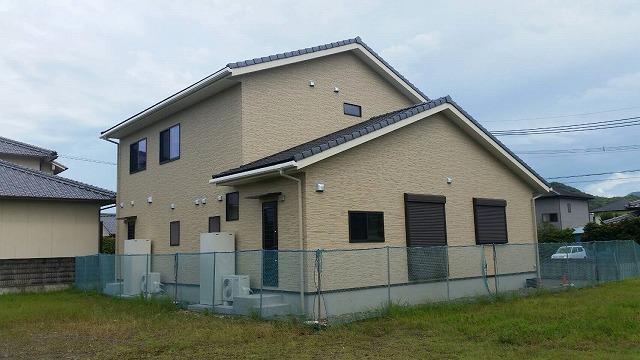 レオ沢村邸 (2)