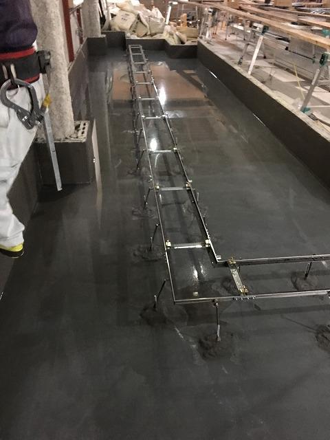 4厨房区画防水工事、水張試験 (1)
