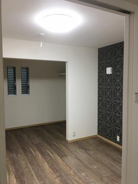 寝室、収納スペース (1)