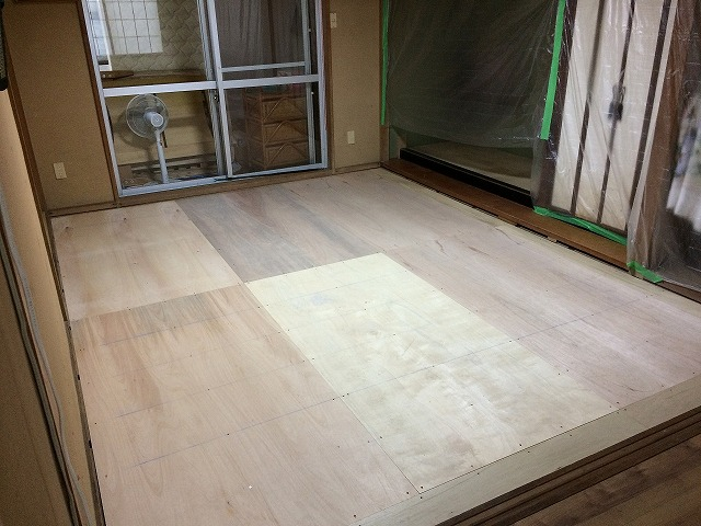 和室施工中 (2)