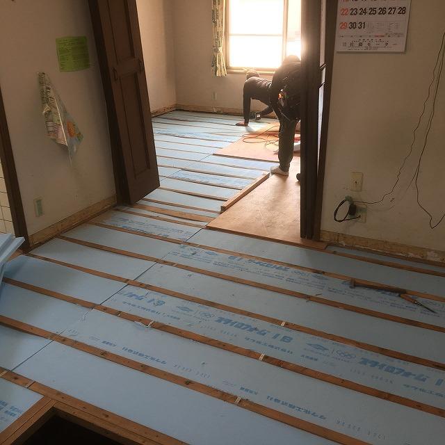 キッチン施工中 (3)