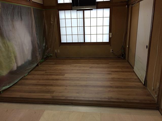 和室施工中 (1)