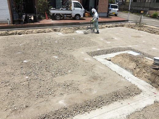 5掘削~砂利敷き (2)