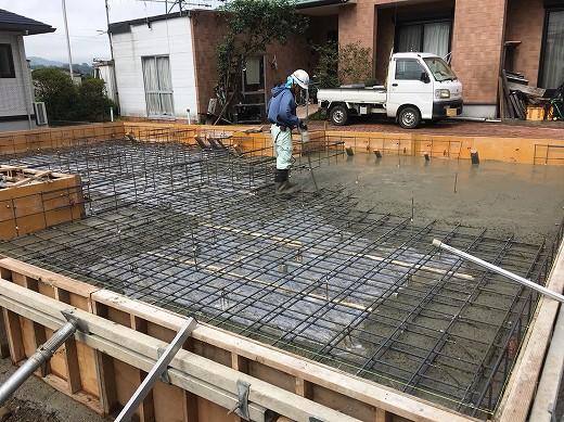 7基礎土間コンクリート打設 (2)