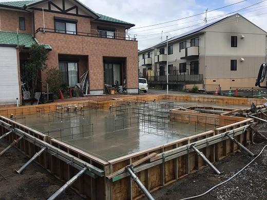 7基礎土間コンクリート打設 (1)