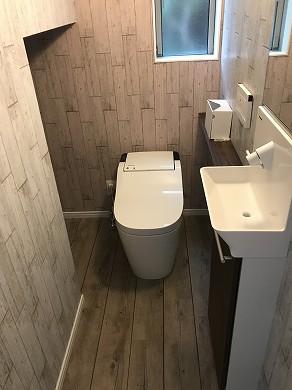 8-4 1階階段下トイレ