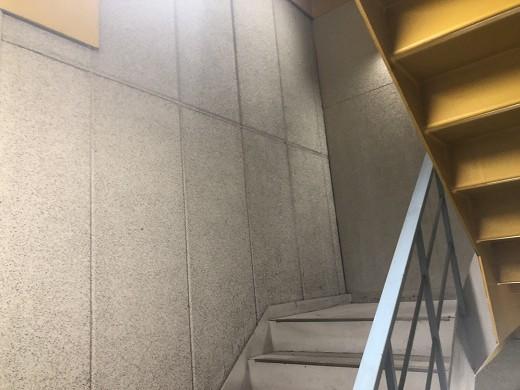 A1階段室着工前2