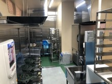 7厨房機器搬入済み (1)