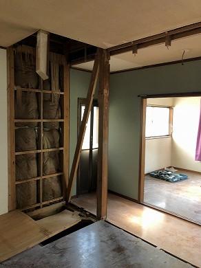 キッチン・リビング解体中 (1)