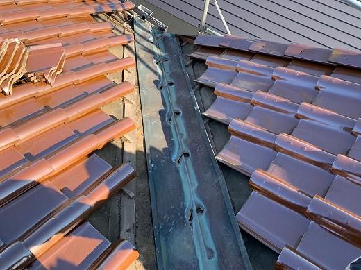屋根瓦剥ぎ取り (1)