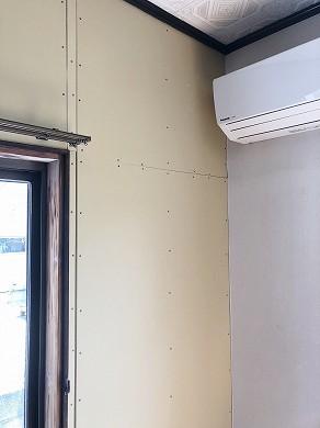 リビング壁ボード張替え後 (3)