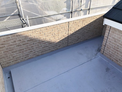 3外壁施工中 (1)