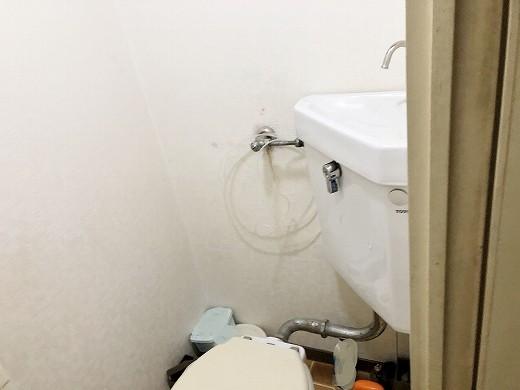 トイレ着工前 (2)