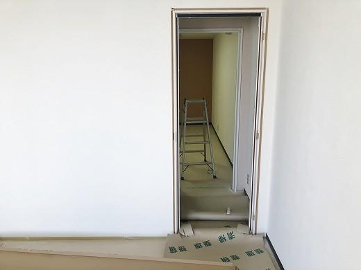 6 2階クロス貼り完了 (3)